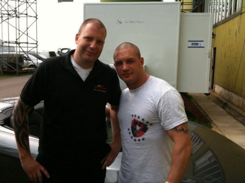 Spy photos of Tom Hardy and 'The Dark Knight Rises' set