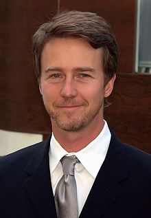 Edward Norton in talks to play main villain in 'The Bourne Legacy'