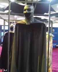 New 'Batman V Superman' Cape and Cowl on Display at San Diego Comic-Con